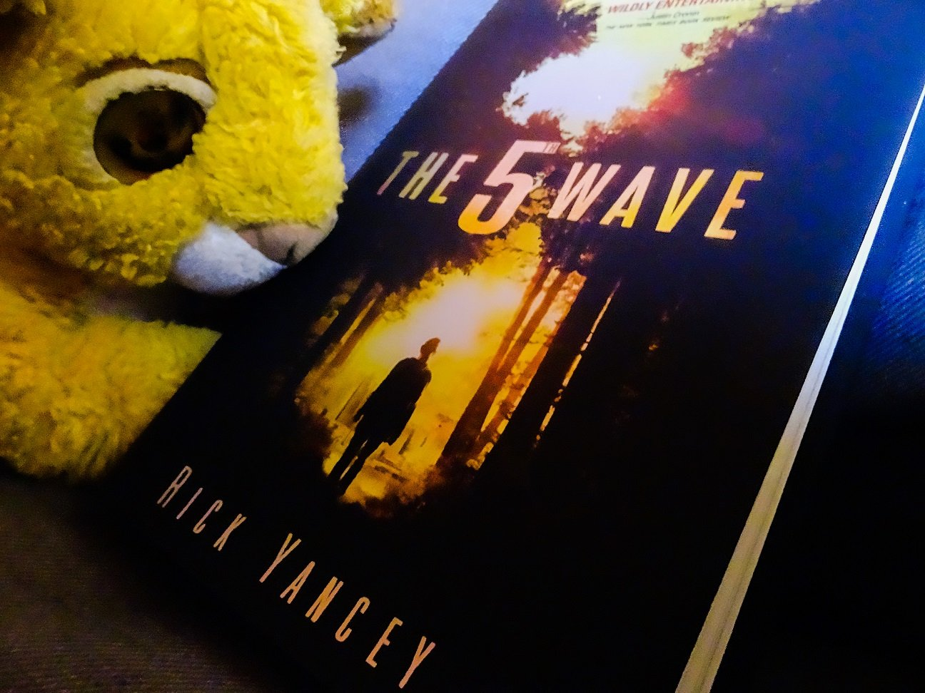 """The 5th Wave"" by Rick Yancey"