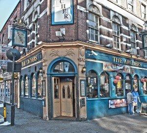 "The Archer - by Berit Watkin - ein Pub im Gebiet ""Whitechapel"" in dem Jack the Ripper damals (wie heute) gemordet hat"