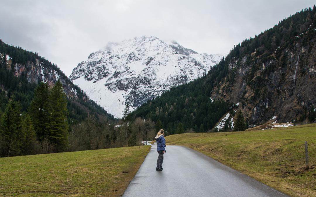 Reinfall statt Kesselfall – erst Stoppschild, dann Lawine (Brand – Österreich)